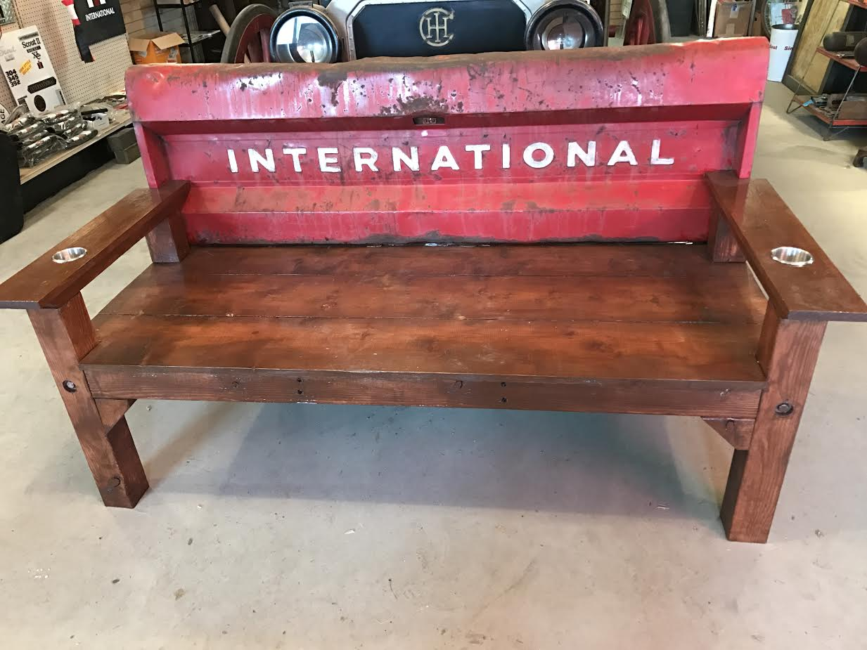 international truck rustic tailgate bench ih scout. Black Bedroom Furniture Sets. Home Design Ideas