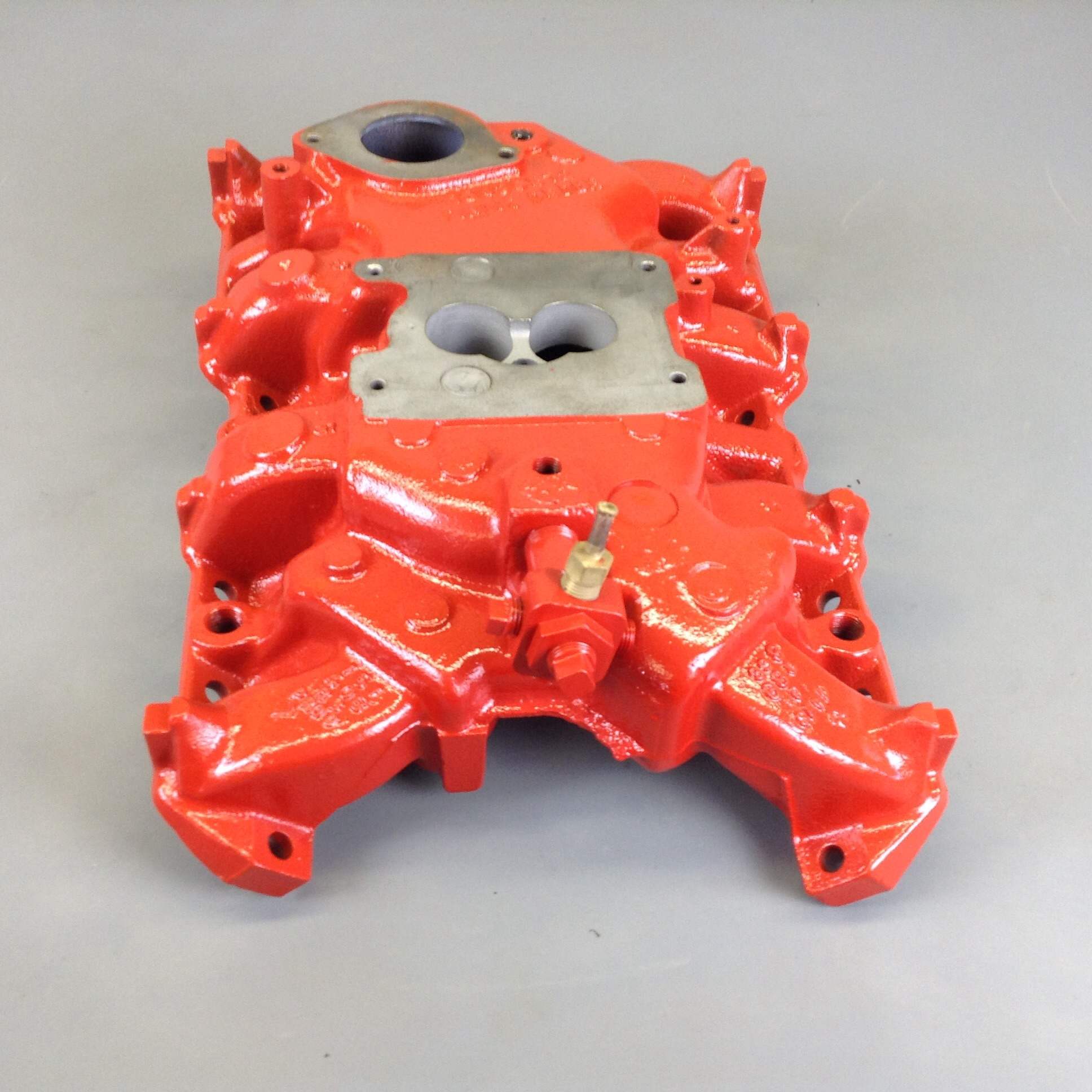 V8 266, 304 Two Barrel bbl Intake Manifold